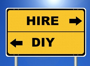 When To HIRE vs DIY Your Website